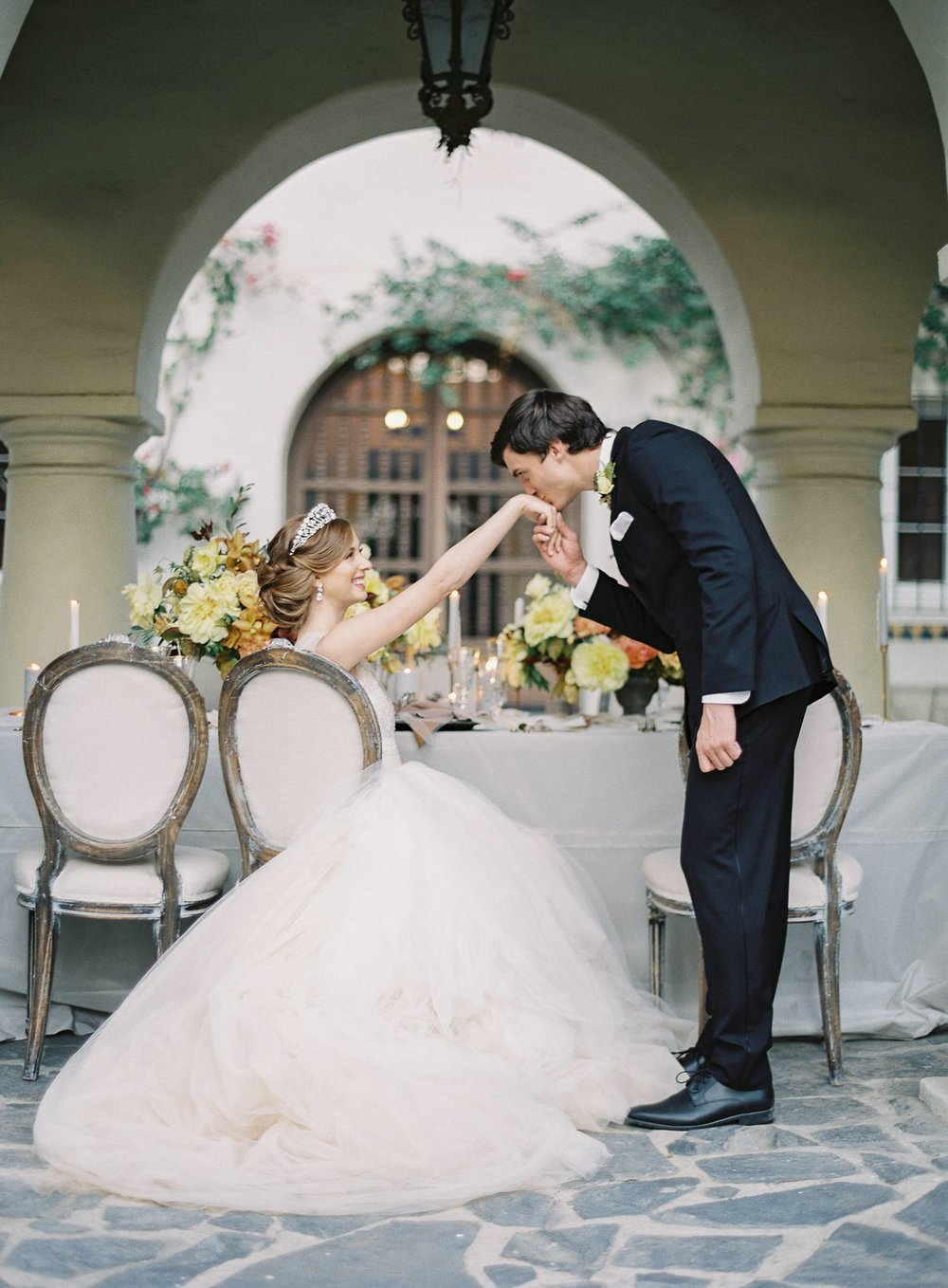 Stunning Buttery Yellow Regal-Inspired Bridal Shoot