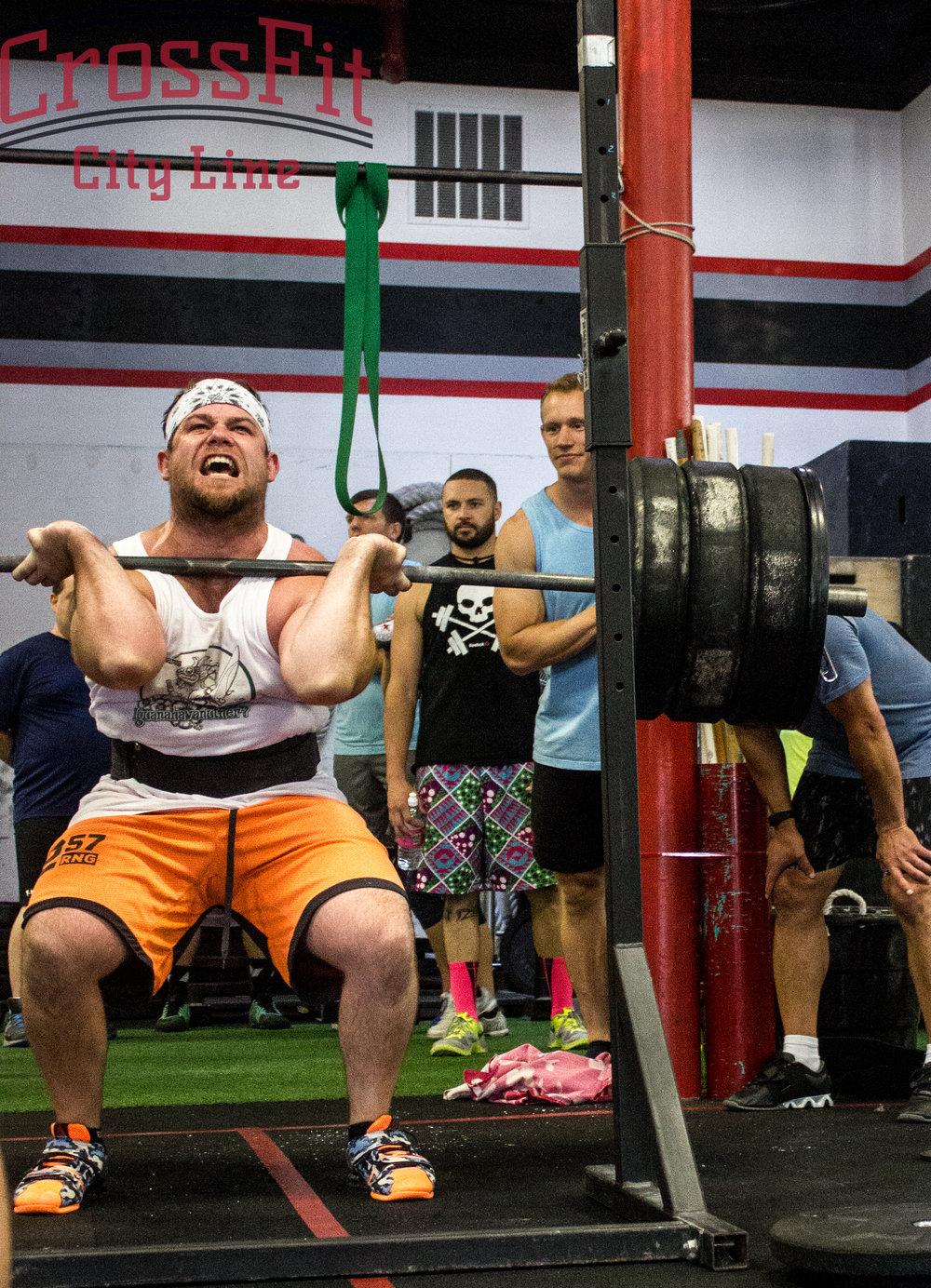 Bearcat putting up BIG weight at the Throwdown