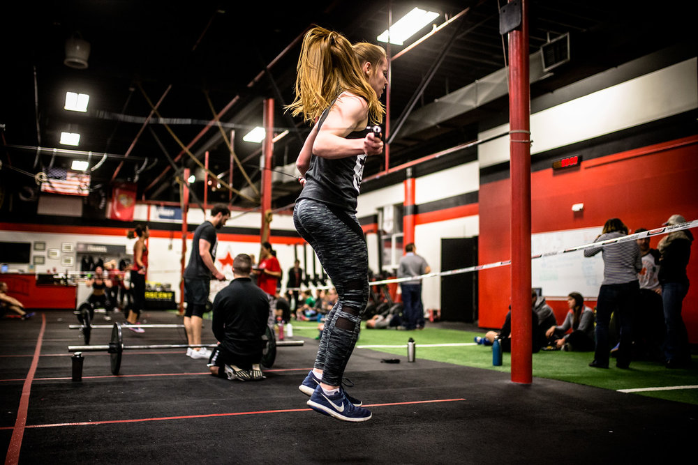 Kayla repping out double unders during 17.5