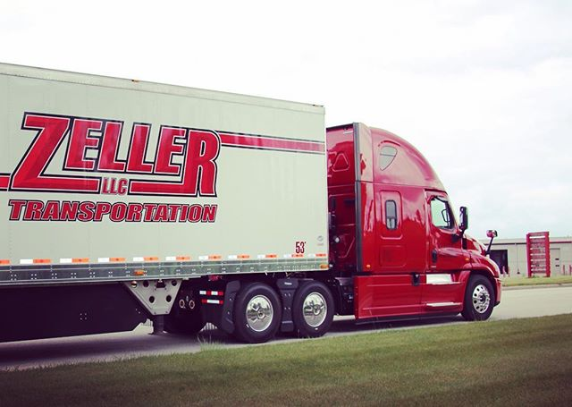 #fotofriday @zellertrans #zellertransportation #trucking #freightliner