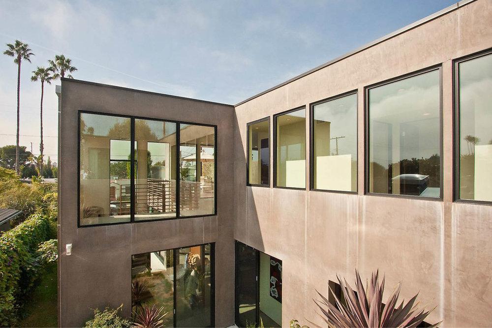 Modern Panelized Prefab Beach House | Venice California | Large Black Windows | RES4
