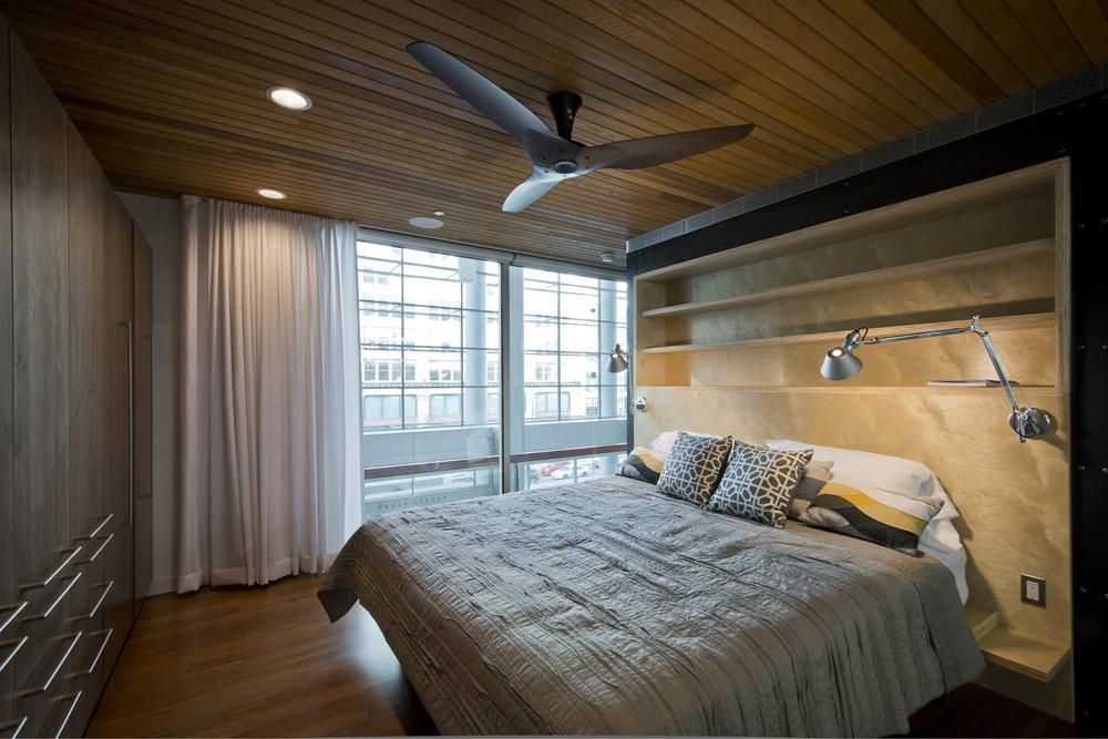 Modern Modular Prefab Cabin House | Greenbuild | Philadelphia | Bedroom Cedar Ceiling Built In Bed Sliding Doors | RES4