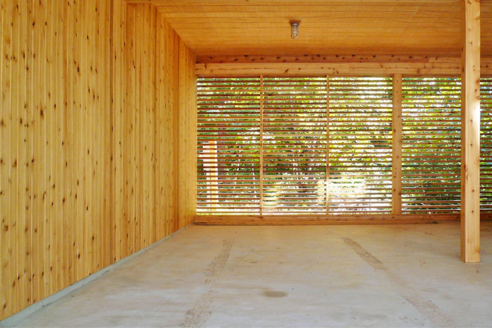 Modern Modular Prefab Peconic Bay House | Shinnecock Hills Hamptons New York | Screen Porch Cedar Siding Ceiling Ipe Deck | RES4
