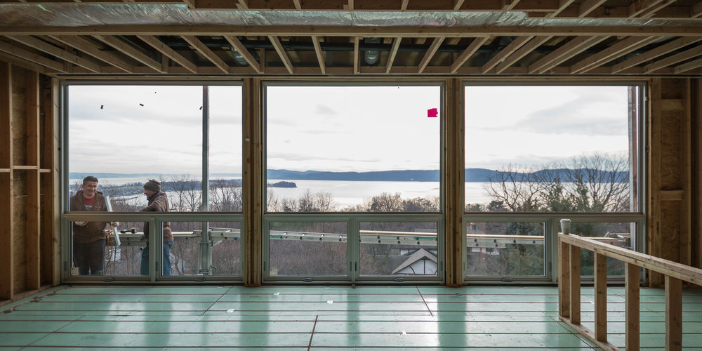 res4-resolution-4-architecture-residential-house-home-hudson-river-new-york-construction-photo-framing-living-window-crew-siding.jpg