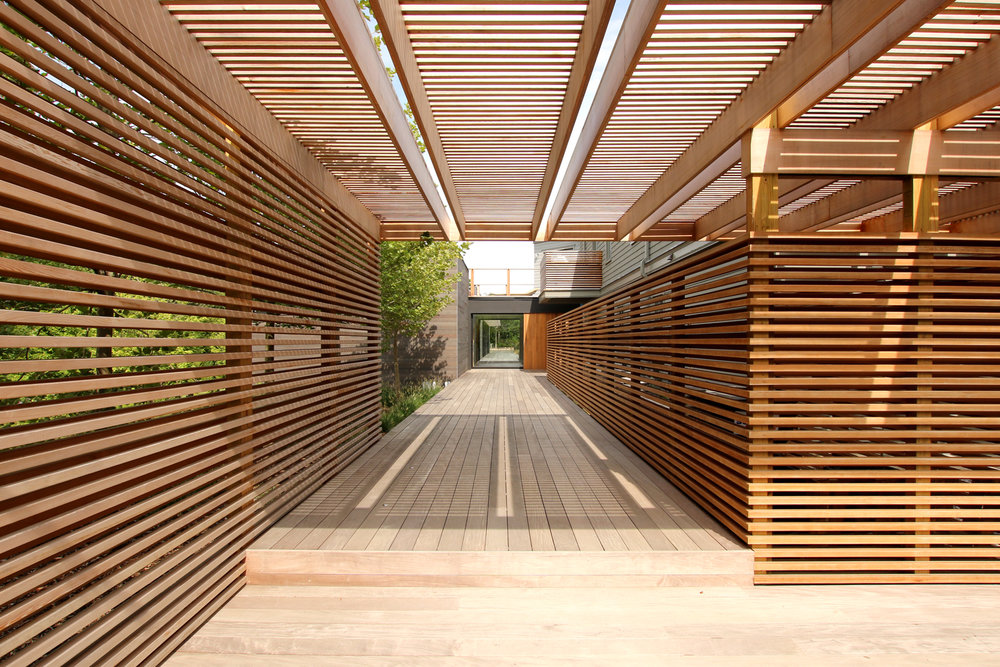 res4-resolution-4-architecture-modern-modular-house-prefab-amagansett-addition-exterior-entrance-path.jpg