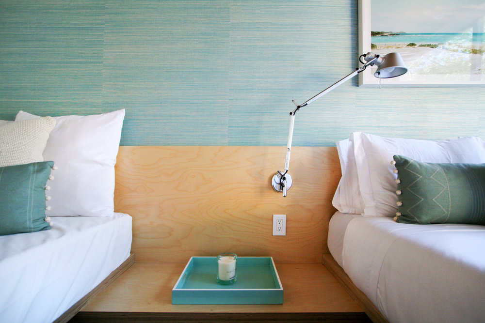 res4-resolution-4-architecture-modern-modular-house-prefab-amagansett-addition-bedroom-01.jpg