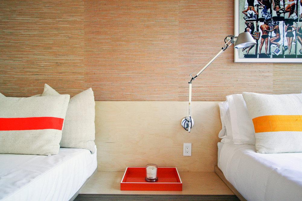res4-resolution-4-architecture-modern-modular-house-prefab-amagansett-addition-bedroom-02.jpg