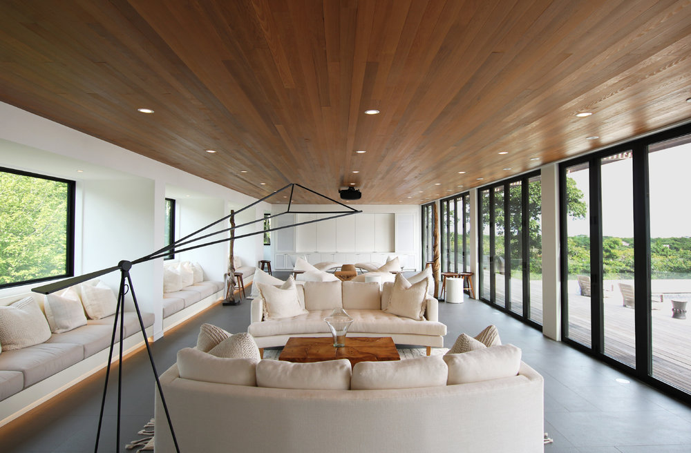 res4-resolution-4-architecture-modern-modular-house-prefab-amagansett-addition-interior-living-room-lounge.jpeg