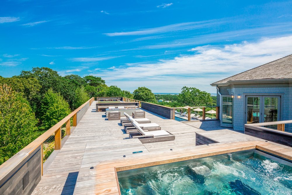 res4-resolution-4-architecture-modern-modular-house-prefab-amagansett-addition-exterior-rooftop-lounge-pool.jpg