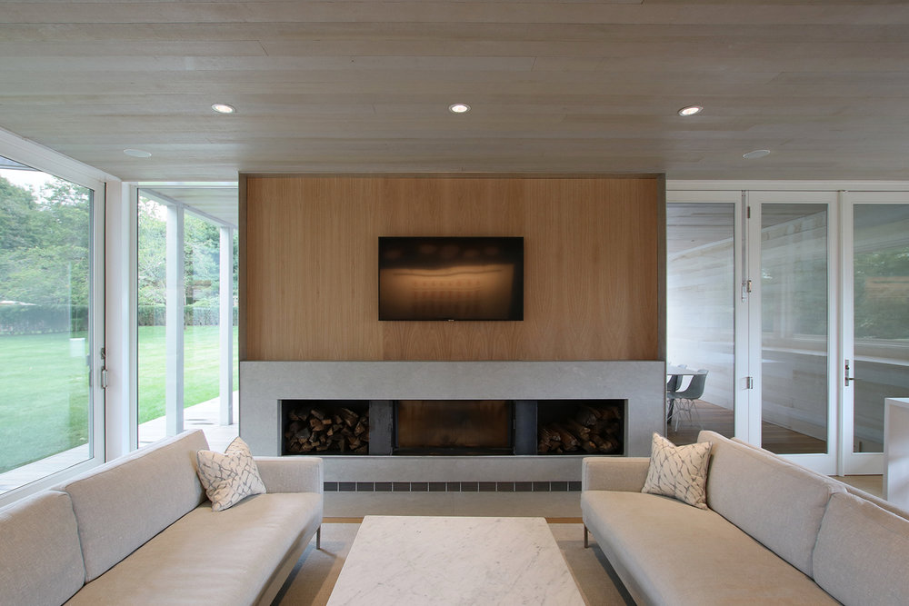 24-re4a-resolution-4-architecture-modern-modular-prefab-bridgehampton house-interior-living-room.jpg