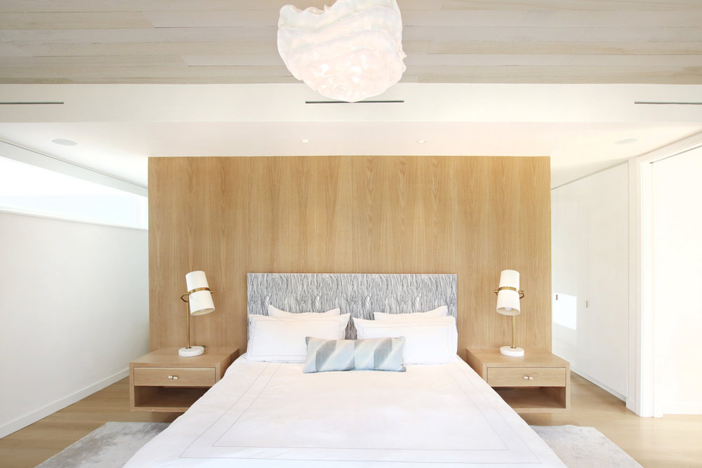 15-re4a-resolution-4-architecture-modern-modular-prefab-bridgehampton house-interior-master-bed-room.jpg