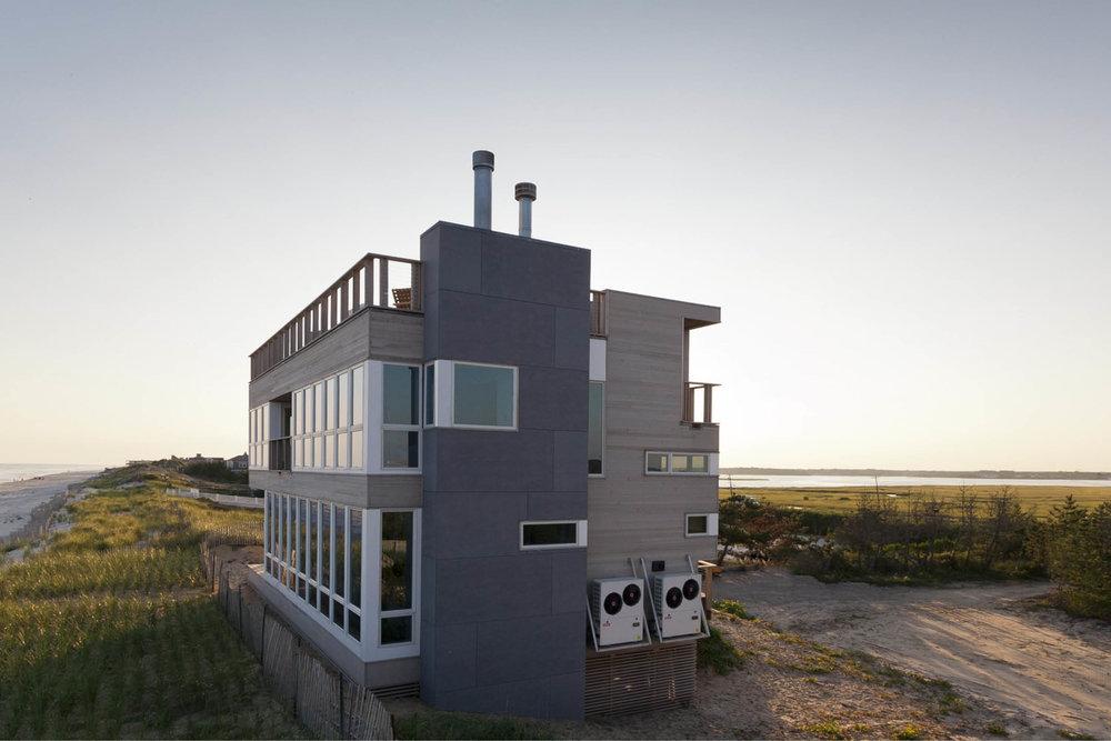 03-res4-resolution-4-architecture-modern-modular-home-prefab-dune-road-beach-house-exterior.jpg