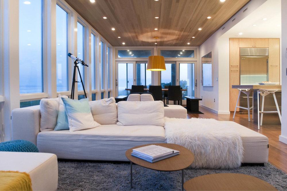 09-res4-resolution-4-architecture-modern-modular-home-prefab-dune-road-beach-house-interior-living-room.jpg