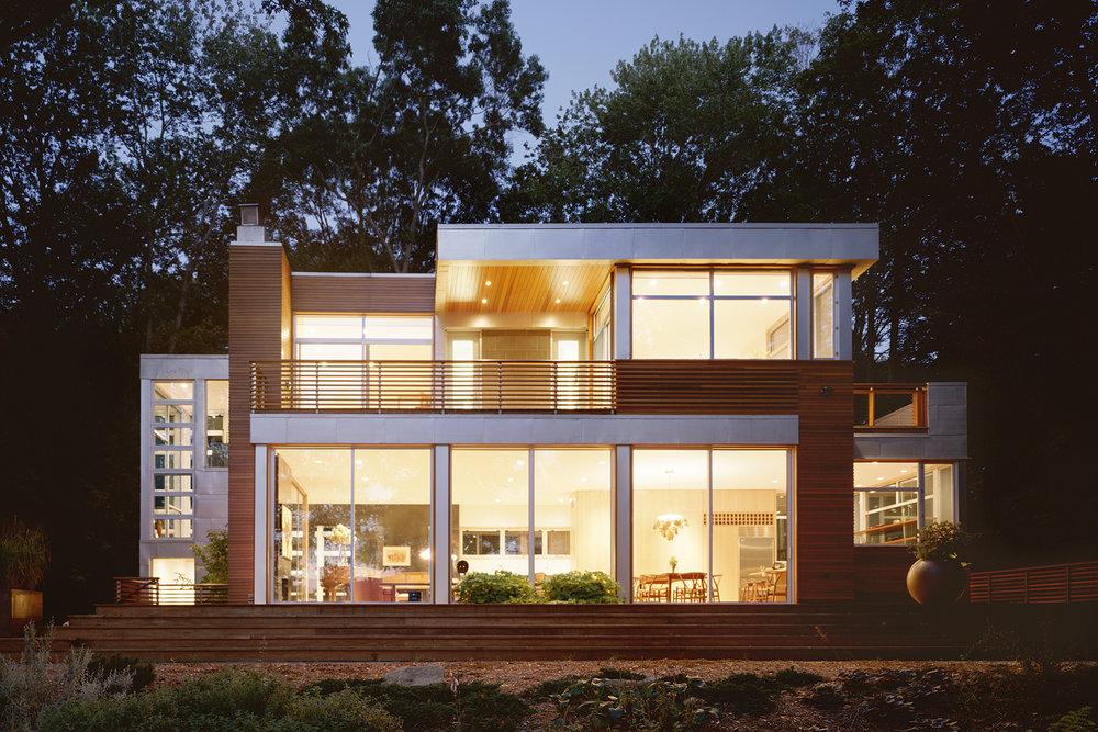 02-res4-resolution-4-architecture-modern-home-residential-lakeside-house-exterior-dusk.JPG