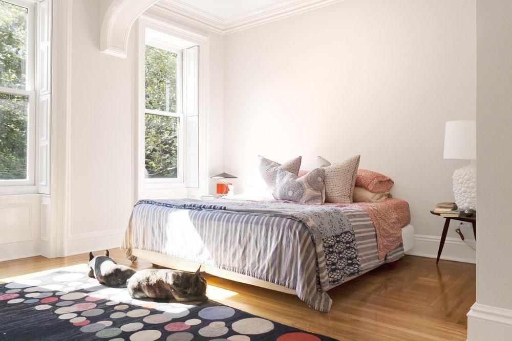 08-res4-resolution-4-architecture-modern-residential-warren-street-townhouse-interior-master-bedroom.jpg