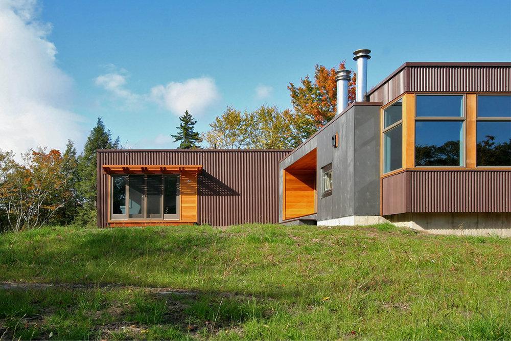 03-res4-resolution-4-architecture-modern-modular-home-prefab-house-vermont-cabin-exterior.jpg