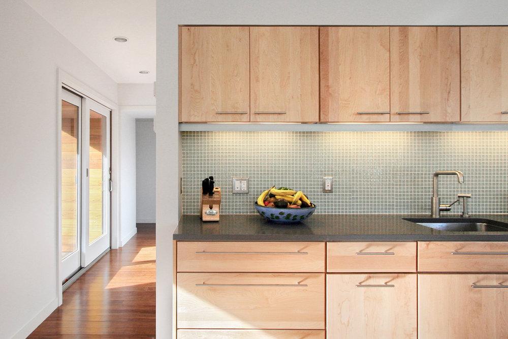 07-res4-resolution-4-architecture-modern-modular-home-prefab-house-vermont-cabin-interior-kitchen.jpg