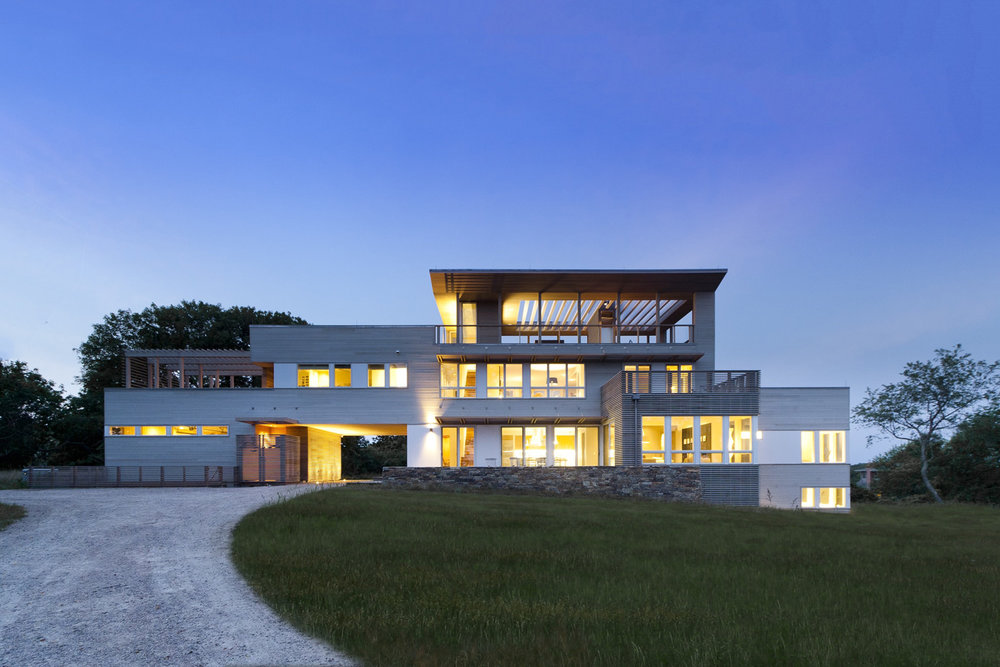 01-res4-resolution-4-architecture-modern-modular-home-prefab-house-fishers-island-exterior-dusk.jpg