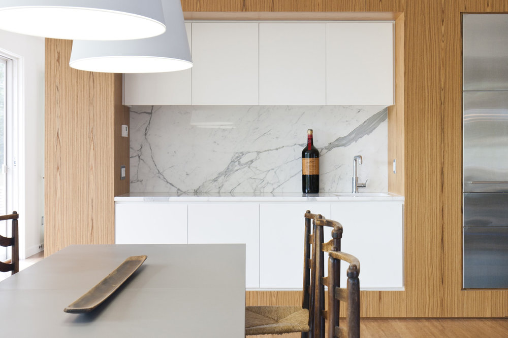 12-res4-resolution-4-architecture-modern-modular-home-prefab-house-fishers-island-interior-kitchen-dining.jpg