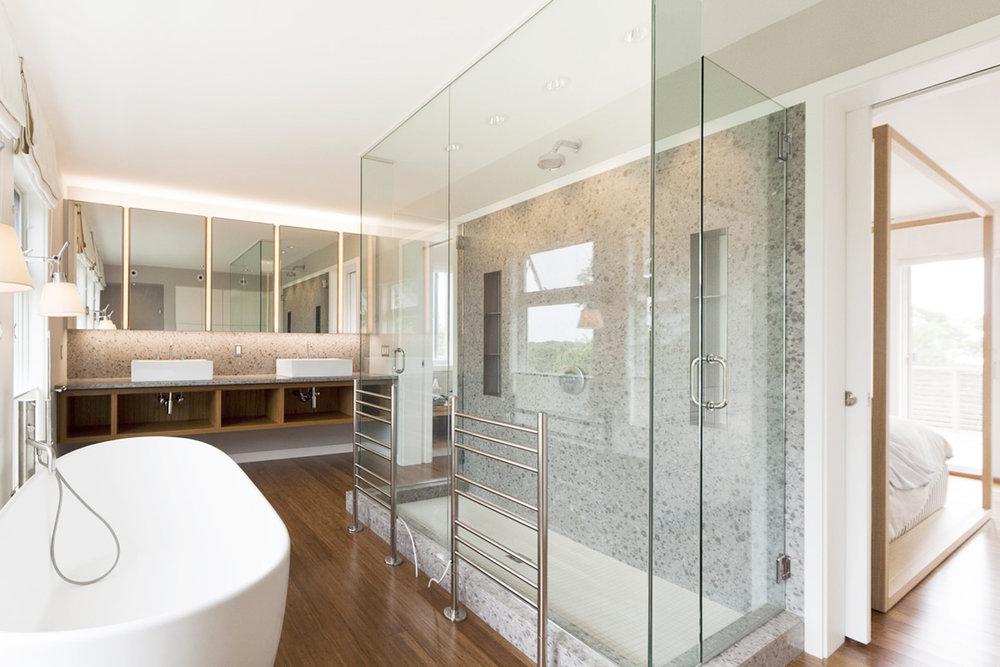 20-res4-resolution-4-architecture-modern-modular-home-prefab-house-fishers-island-interior-master-bath-room.jpg