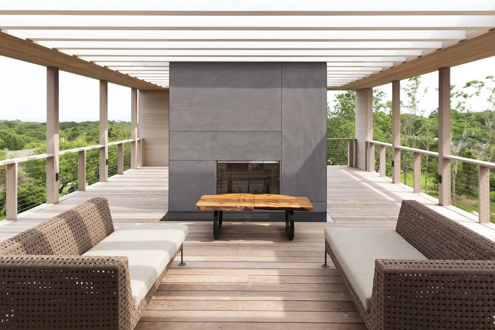 23-res4-resolution-4-architecture-modern-modular-home-prefab-house-fishers-island-exterior-roof-deck-fireplace.jpg