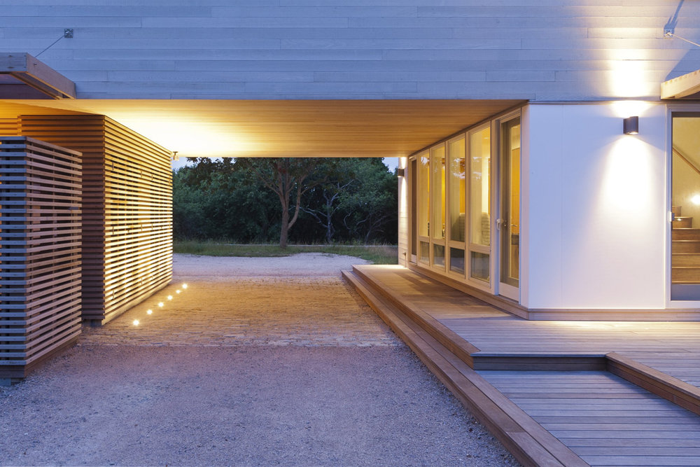 27-res4-resolution-4-architecture-modern-modular-home-prefab-house-fishers-island-exterior-overhang.jpg