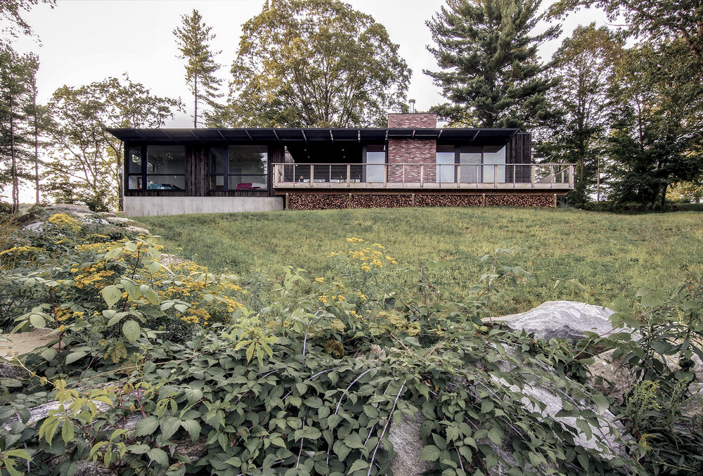 11-res4-resolution-4-architecture-modern-modular-prefab-home-cornwall-cabin-exterior-fall.jpg