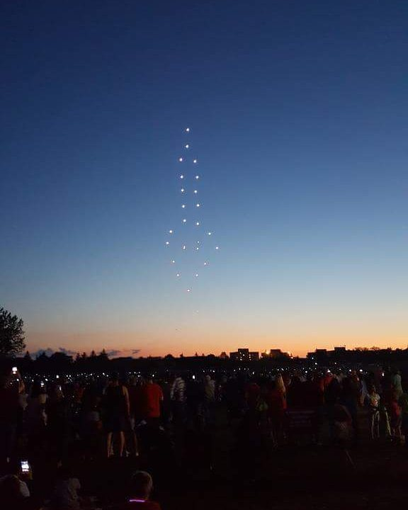 Arrowonics is blasting off again!! #teamrocket #drones #3dart #led #uav #dronestagram #flight #startup #entertainment #future #autonomous #design #animation #canada #proudcanadian #tech #lightshow #droneshow