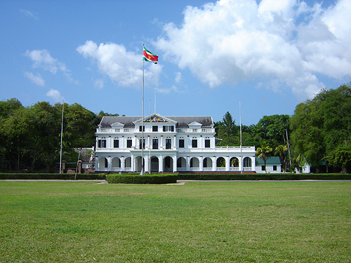 The Presidential Palace or Gouvernementsgebouw (Dutch).   Image courtesy of Ian Mackenzie .