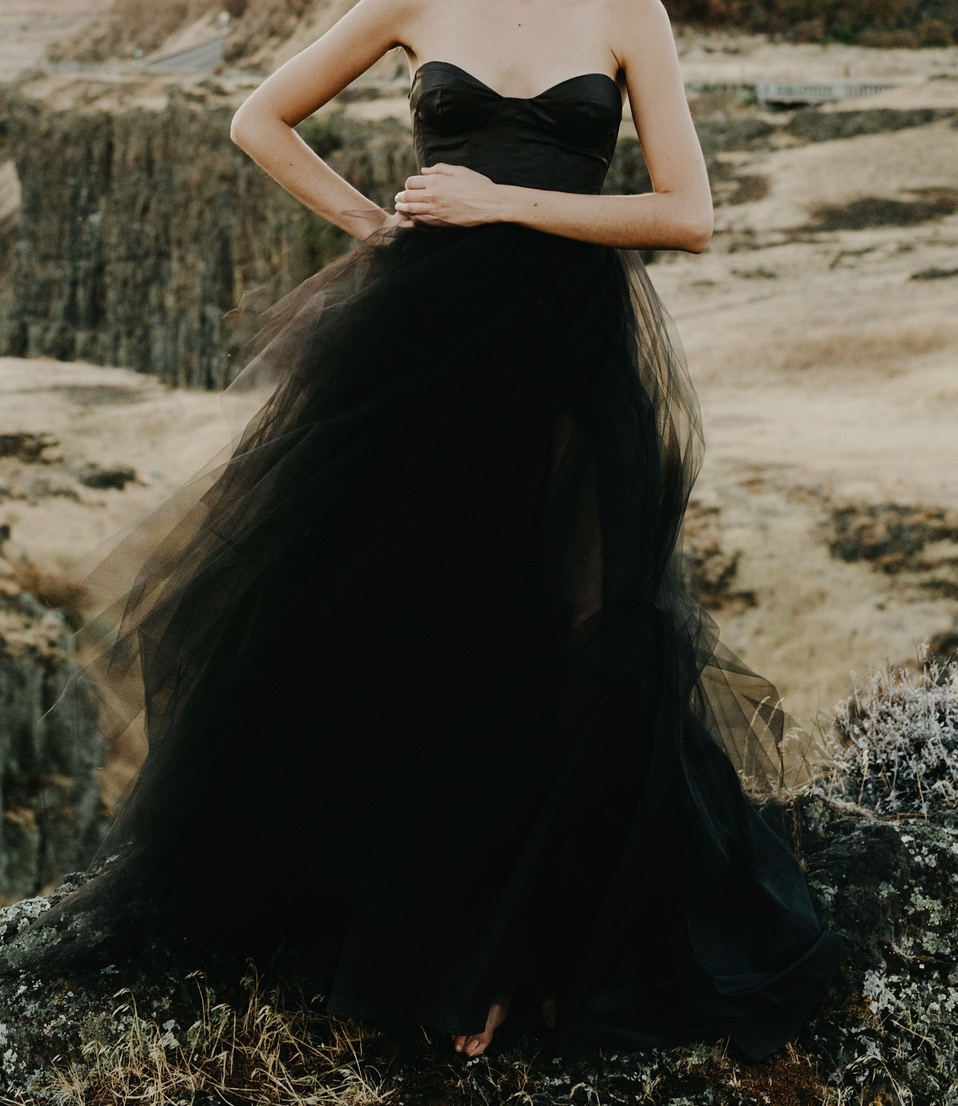 """Furiousa"" Black Gown from Elizabeth Dye. Image courtesy of www.elizabethdye.com"