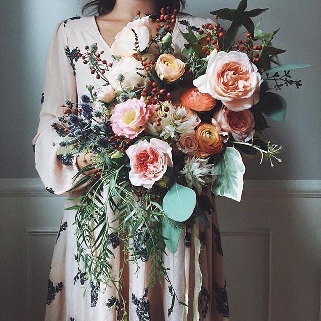 FLORAL INSPO: This oversized bouquet is everything {image via @pinterest}