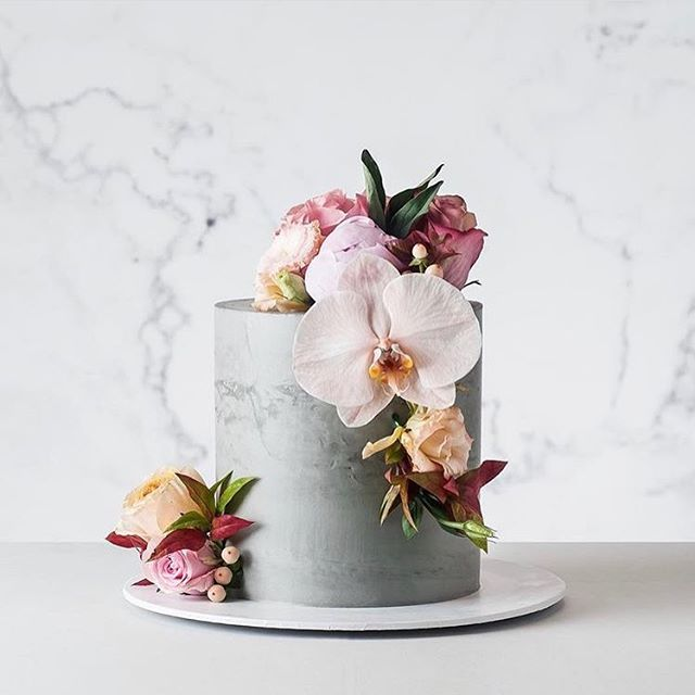 CAKE INSPO: Concrete with florals via the talented @cake_ink folks