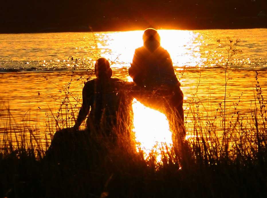 lovers-sunlight.jpg
