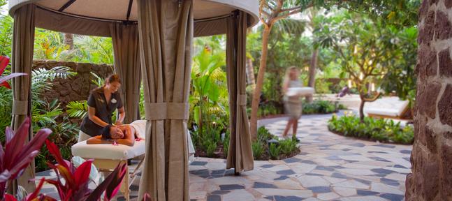 Kula Wai outdoor spa at Aulani