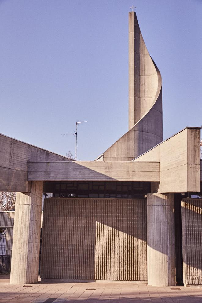 Cernusco sul Naviglio Parrocchia di San Giuseppe Lavoratore, 1988-91 Architetti Cesare Buttä Maria Clotilde Litta.jpg