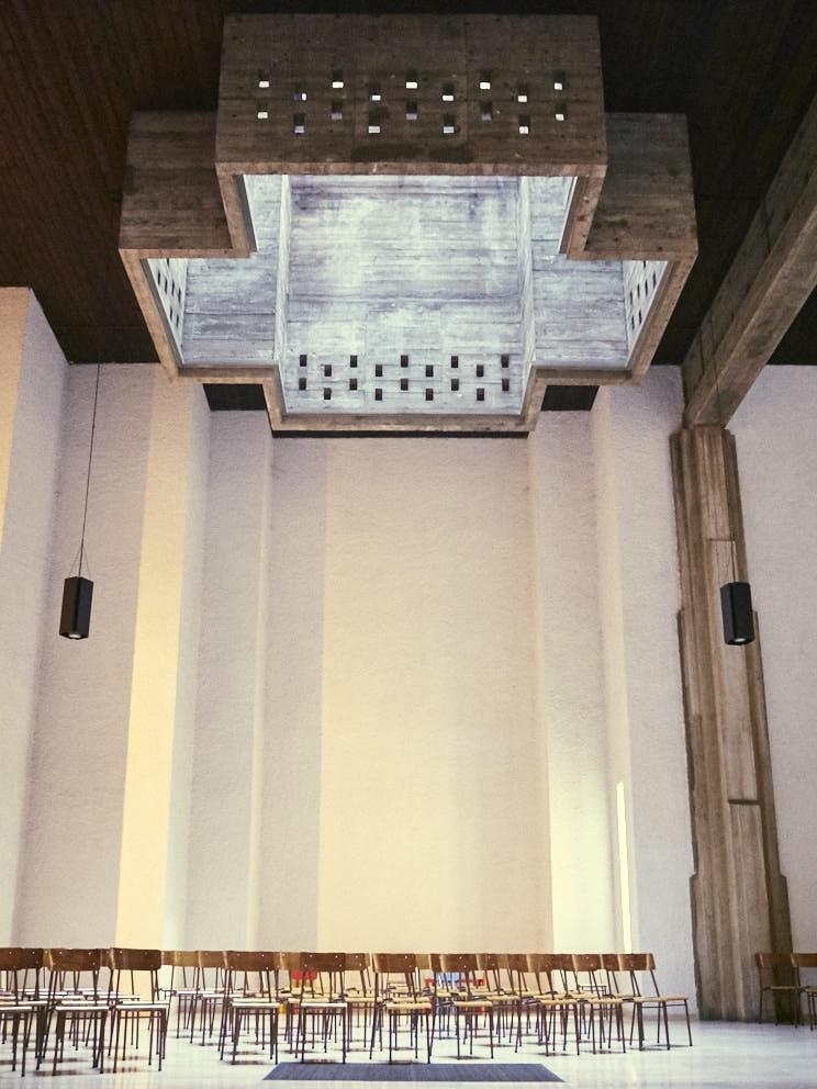 Milano Chiesa dei Santi Giovanni e Paolo 1964-68 Architetti Luigi Figini e Gino Pollini (1).jpg