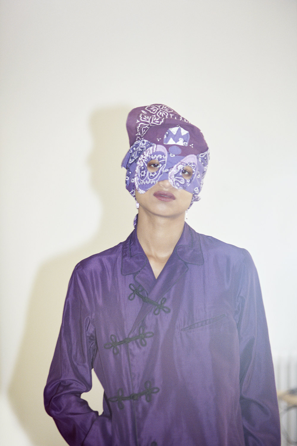Pajama croise shirt, purple mask bandana. Hand-cut crystals silver earrings EDDIE BORGO