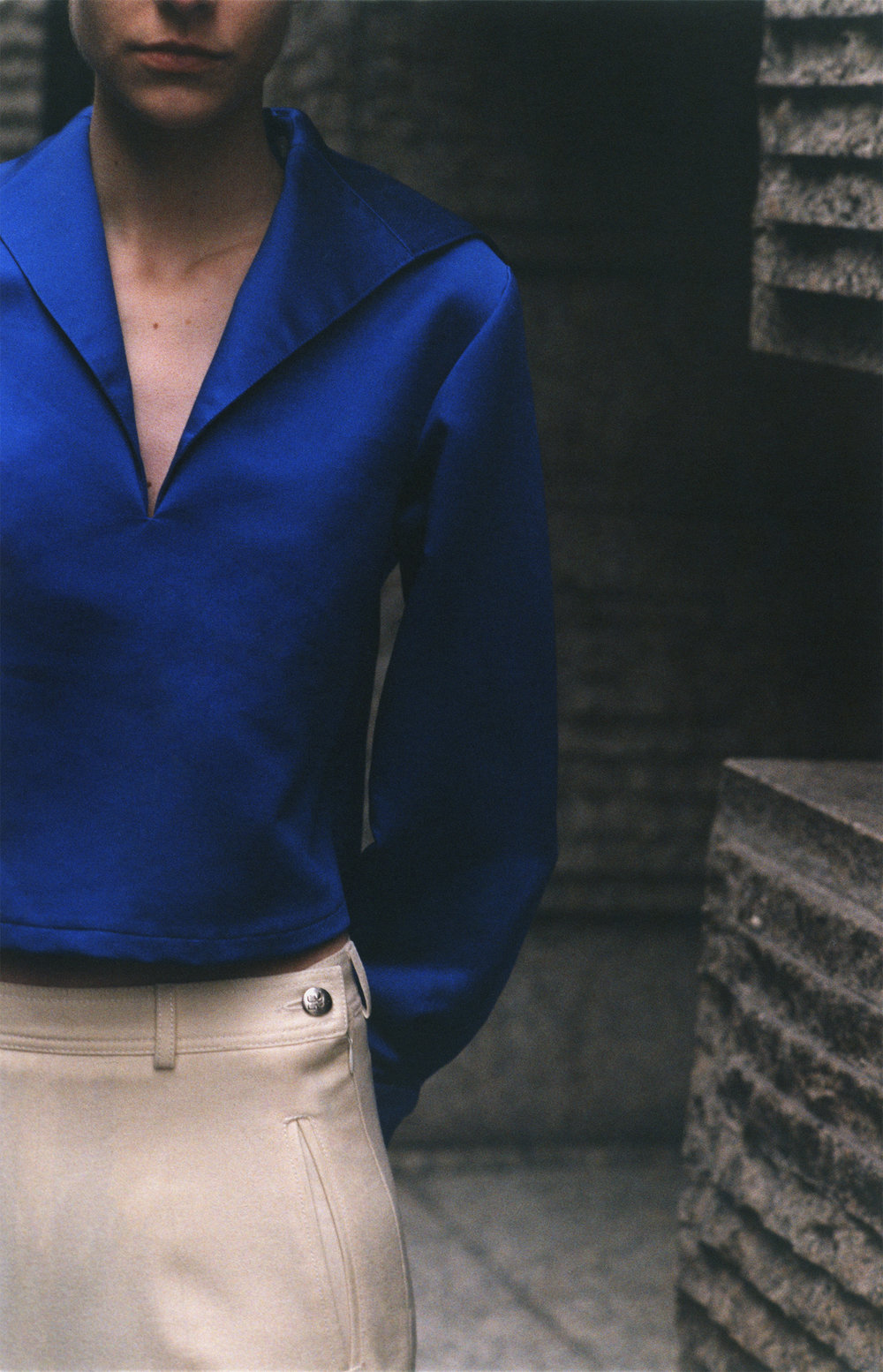 Removable collar sailor jacket SADIE WILLIAMS, trousers COURREGES.