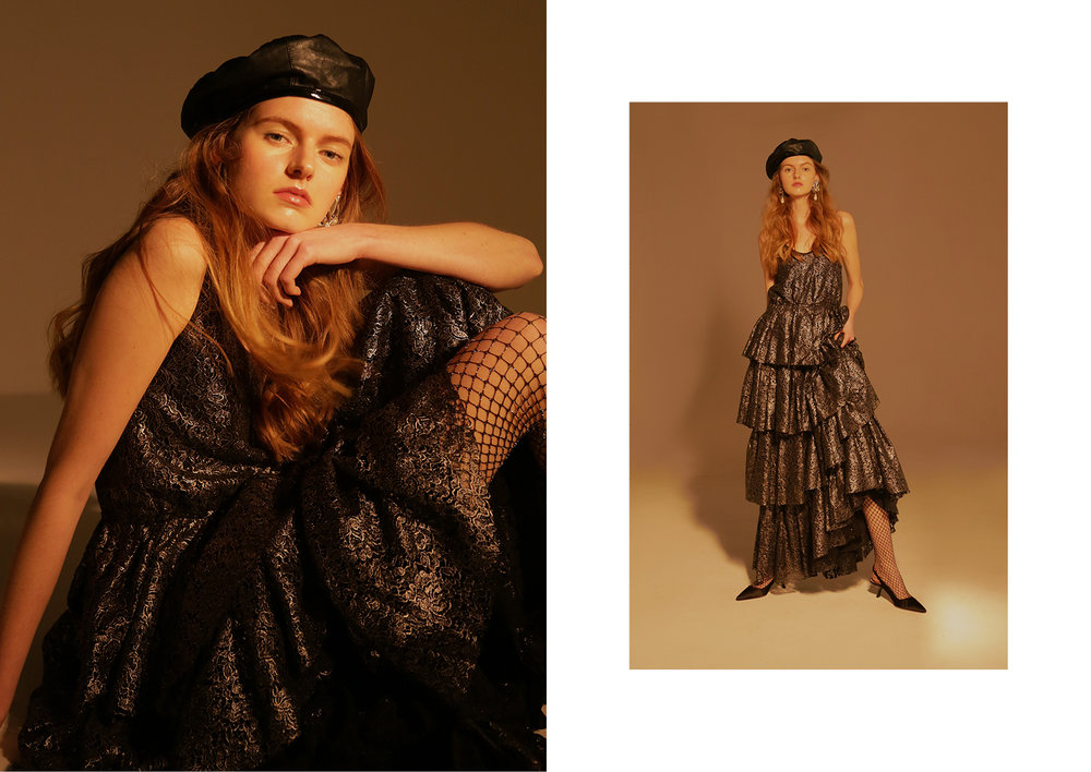 Long dress Vladimiro Gioia, Hat Vintage Moschino, collant Maria La Rosa