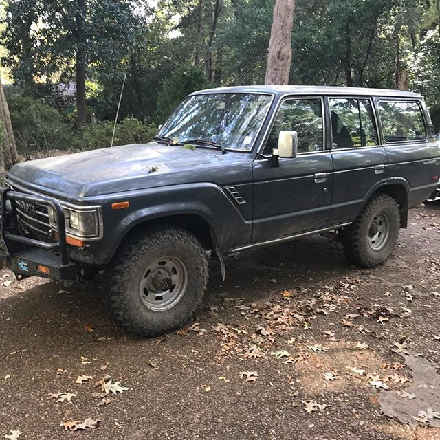 Occasionally you are out on delivery, and a customer's rig sends you into deep nostalgia and regret when you realize you sold and let go of not one, but two FJ 60s in your short lifetime! 😭😭 #idiot #younganddumb #nothinglikeacruiser #fj60 #fjcruiser #maybeiwillfindanother
