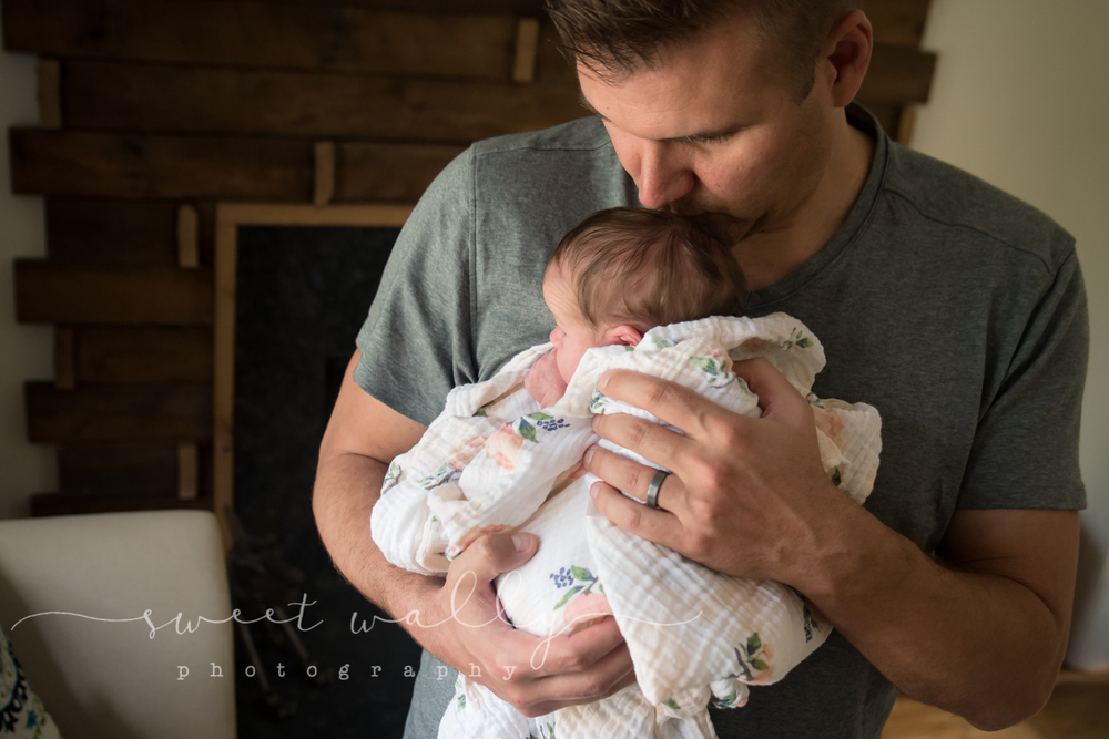 Daddy's Girl | Nashville Newborn Photographer | Sweet Wally Photography