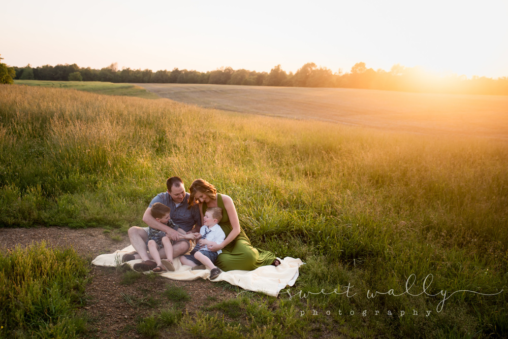 Family Maternity Session | Maternity Photographer in Nashville | Sweet Wally Photography