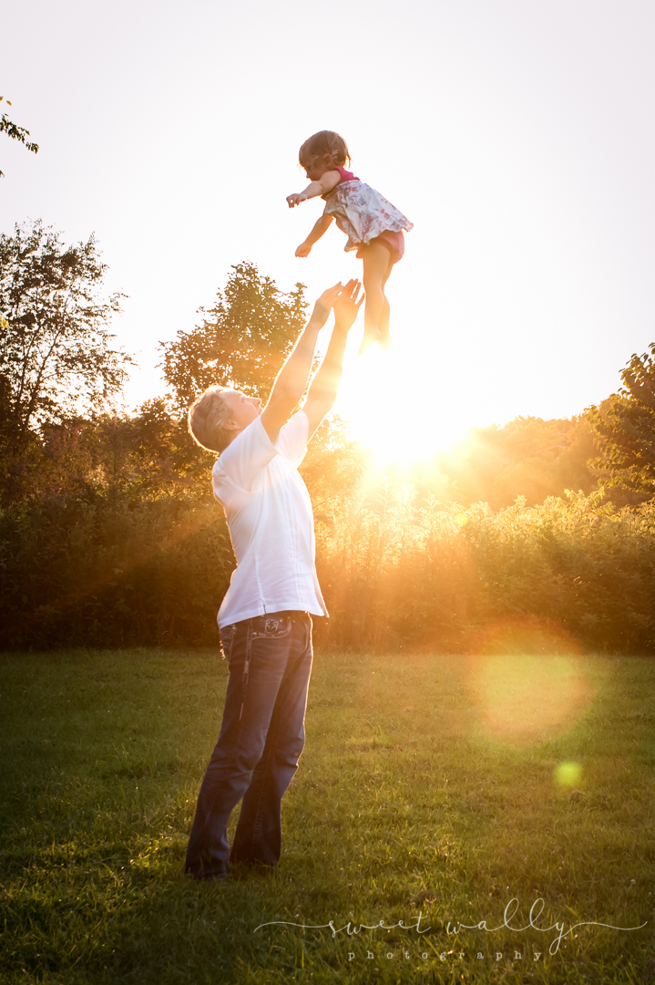 Daddy-Daughter Time | Sweet Wally Photography | Family Maternity Session in Nashville, TN