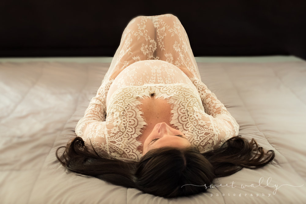 So serene | Intimate Maternity Session | Nashville Photographer | Sweet Wally Photography