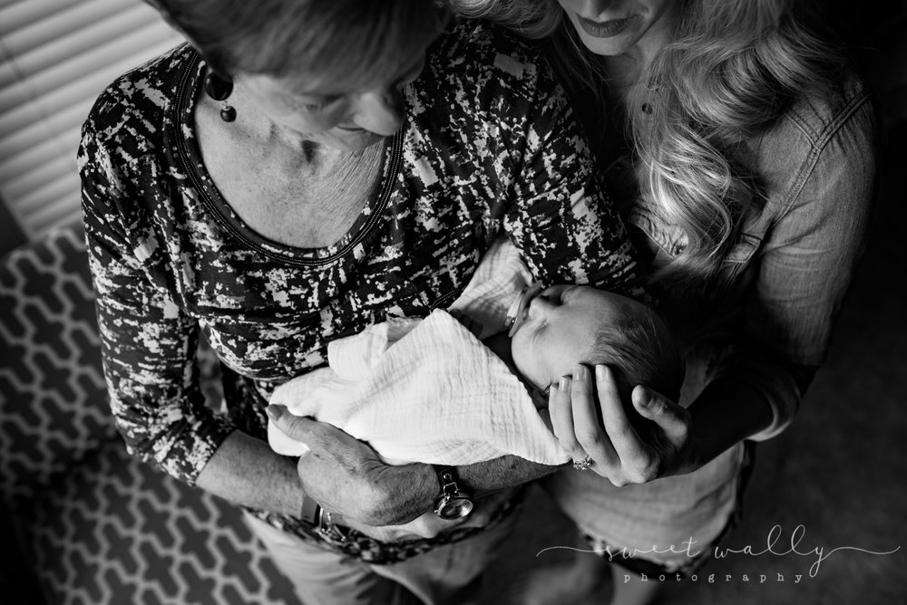 Three generations | Sweet Wally Photography | Lifestyle Newborn Photography | Nashville, Tennessee