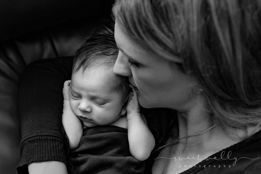 Sweet newborn snuggles | Sweet Wally Photography | Nashville Newborn Photographer