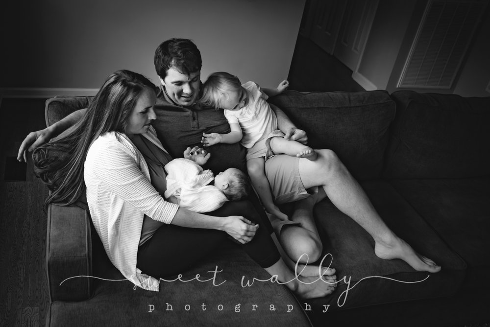 Family newborn session at home with Sweet Wally Photography | Nashville TN & Bowling Green KY