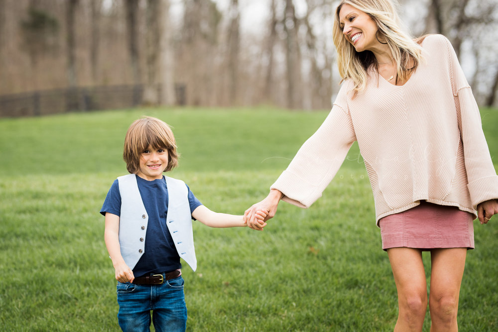 photos of moms with their kids nashville photographer