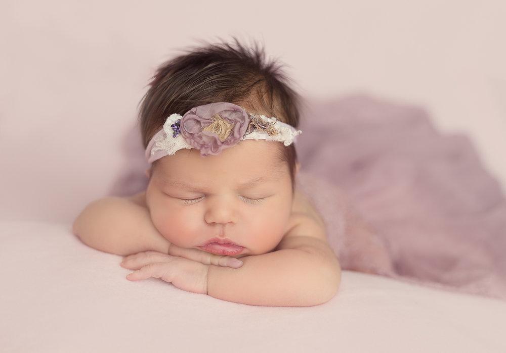 Newborn Photographyer CT Natalie Buck (1 of 1)-3.jpg