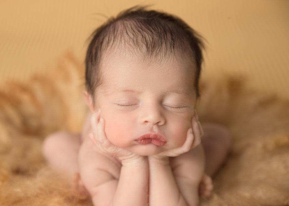 Newborn Photographer CT (1 of 1)-2.jpg
